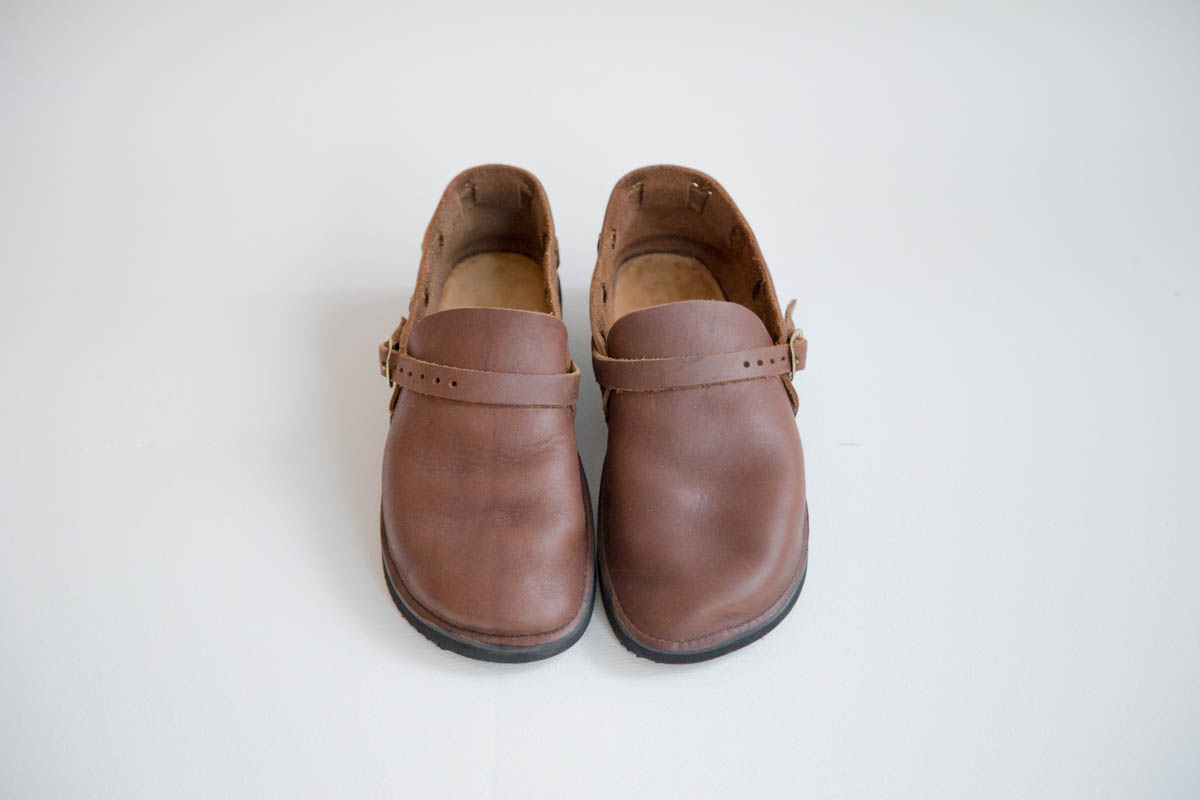 AURORA SHOES / MIDDLE ENGLISH